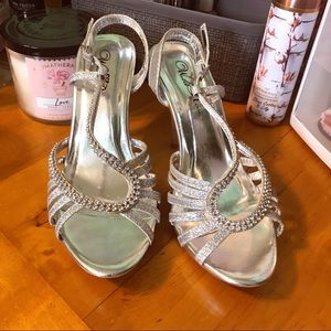 Silver Diamond Wild Rose Prom Heels Size 7